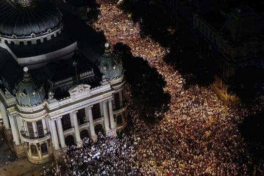 Brazil 130617-protest-hmed-10p.photoblog600